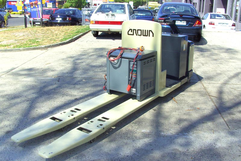 Crown Electric 3 Tonne Double Pallet Mover