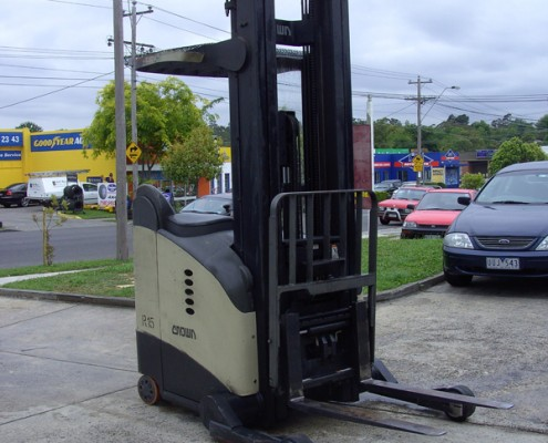 Crown Current Model 2 Tonne Reach Truck with sideshift. auto and near new battery