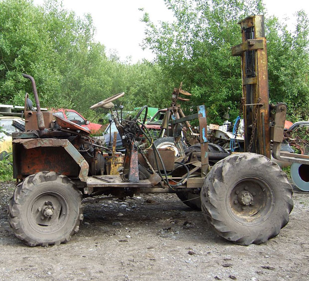 Old Used Forklift in Poor Condition