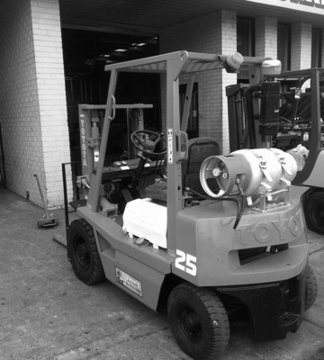 Orange and Black Automatic Container Mast Toyota Forklift with white bonnet and pneumatic tyres