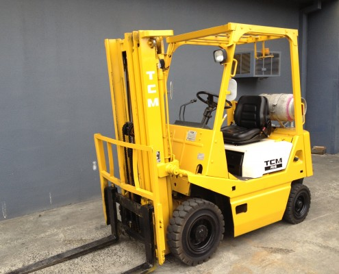 tcm 1.5 tonne forklift front view container mast