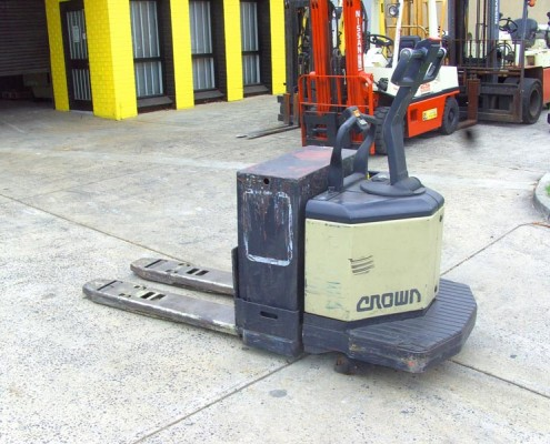 Crown Electric Single Pallet Mover Secondhand Used Forklift for sale-greyscale. 3 Tonne capacity with charger