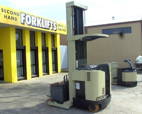 Crown Electric Reach Truck Secondhand Used Forklift