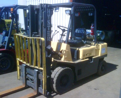 Hyster 2.5 Tonne LPG Used Forklift For Sale with solid tyres, Auto, sideshift