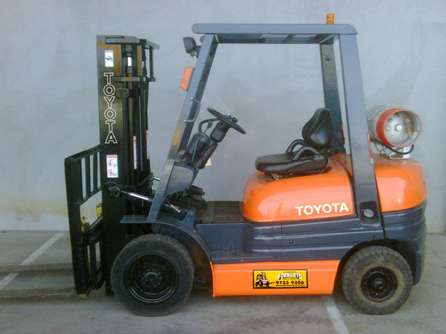 Toyota 2.5 Tonne 6 Series used forklift