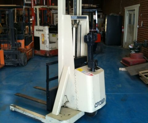 Crown Walkie Stacker 1 Tonne