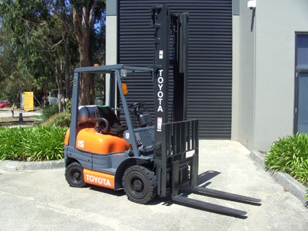 Toyota 1.5 Tonne 6 Series Used Forklift for sale front