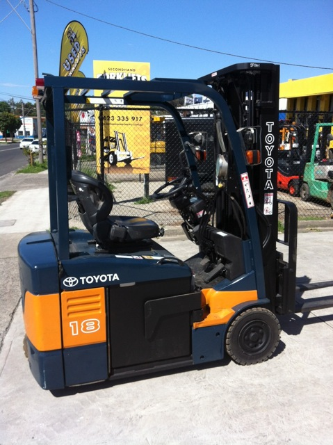 Toyota 1.8 tonne electric forklift 7FBE18