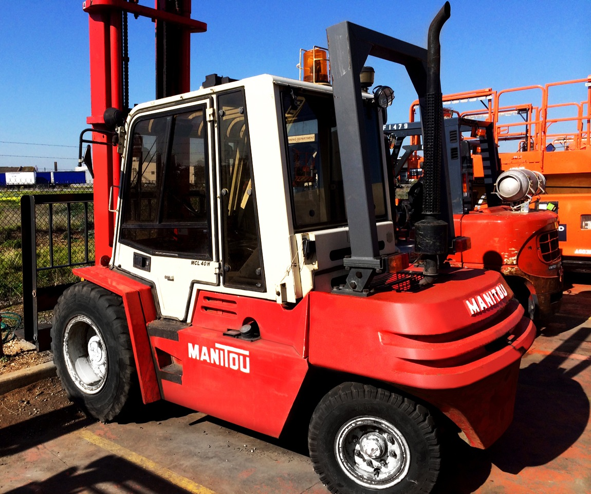 Manitou 4 Tonne Off Road Forklift With Roll Over Protection